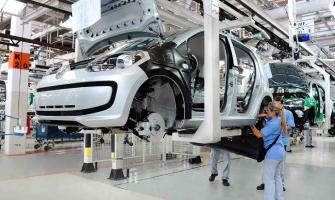 EMPRESAS AUTOMOTRICES DE QRO. TRABAJAN AL 70% DE SU CAPACIDAD
