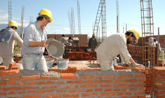 BUSCAN REACTIVAR A LA INDUSTRIA DE LA CONSTRUCCIÓN EN TLAXCALA