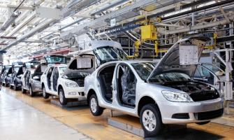 AUTOMOTRICES SUSPENDEN OPERACIONES EN MÉXICO