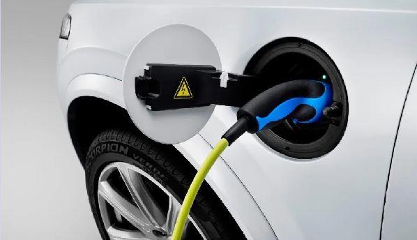 EXPERTOS VISLUMBRAN COMPLEJO ESCENARIO PARA LOS AUTOS ELÉCTRICOS EN MÉXICO